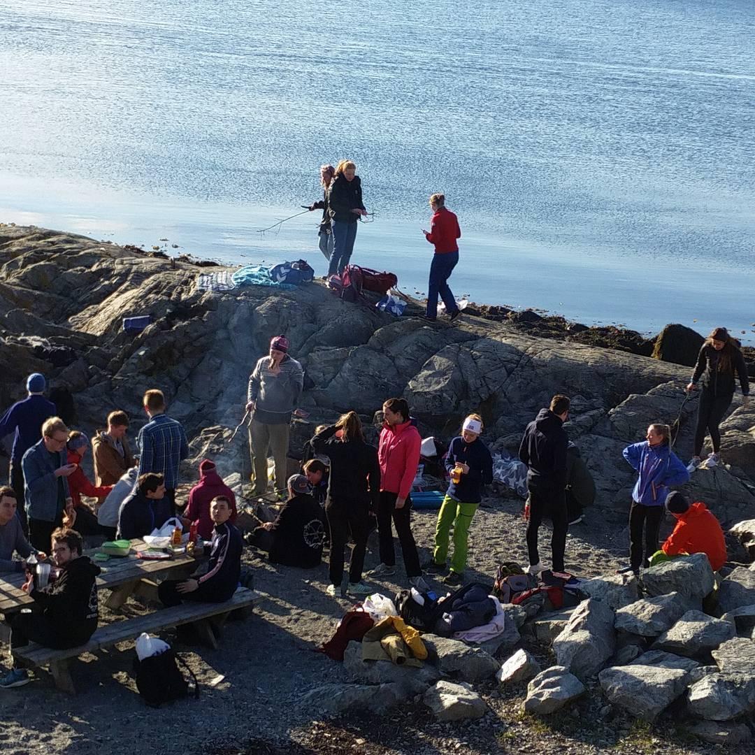 Avslutter En psykt vanlig uke med grilltur i Korsvika! psyktvanliguke
